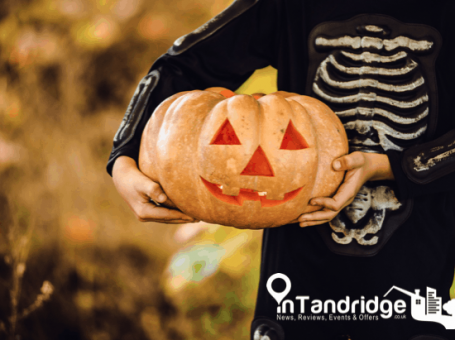 Halloween Pumpkin carving and fancy dress competition