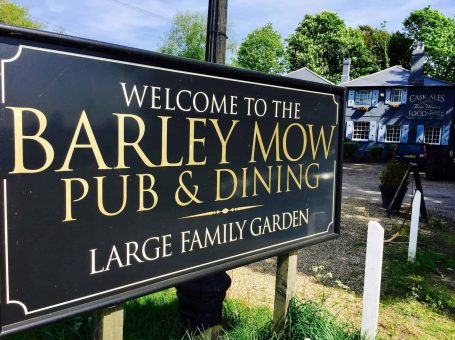 The Barley Mow pub and restaurant in Tandridge, Oxted