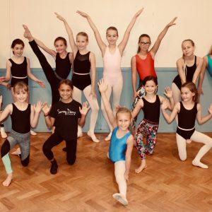 Surrey Dance School's Saturday Stars posing!
